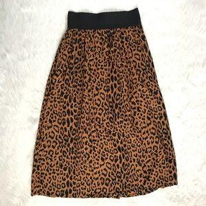 Dresses & Skirts - Vintage Leopard Print Skirt